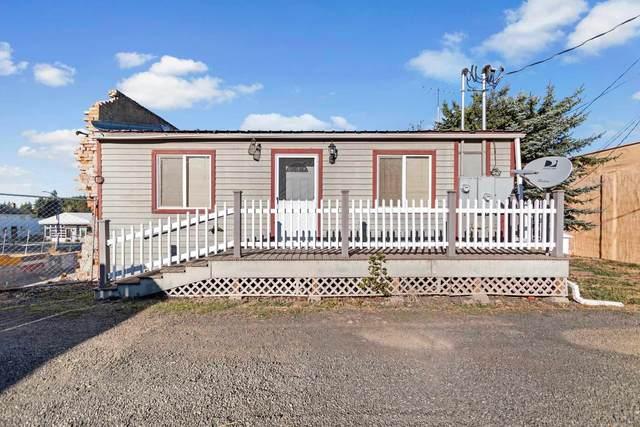138 S Crosby St, Tekoa, WA 99033 (#202122789) :: The Spokane Home Guy Group