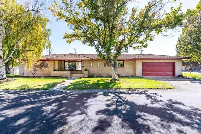 9208 E Buckeye Ave, Millwood, WA 99212 (#202122918) :: Bernadette Pillar Real Estate