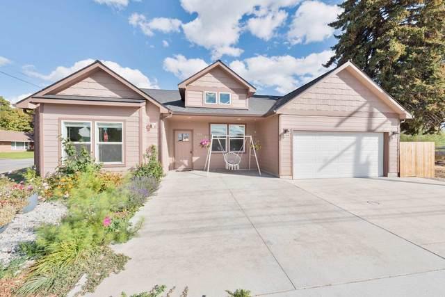 324 N Willow Rd, Spokane Valley, WA 99206 (#202123625) :: RMG Real Estate Network