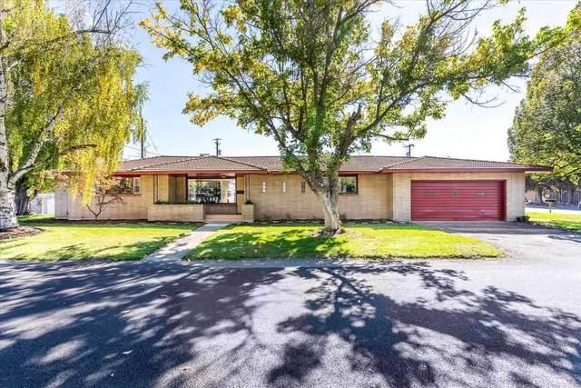 9208 E Buckeye Ave, Millwood, WA 99212 (#202123674) :: Real Estate Done Right