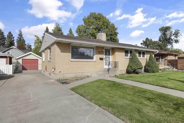1221 E 37th Ave, Spokane, WA 99203 (#202123732) :: RMG Real Estate Network