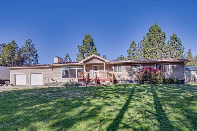 8303 E Elk Chattaroy Rd, Chattaroy, WA 99003 (#202123820) :: Real Estate Done Right