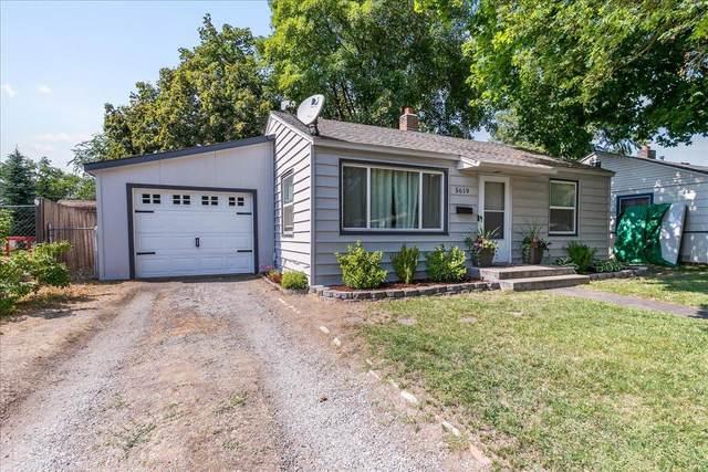 5619 N Cochran St, Spokane, WA 99205 (#202123839) :: Five Star Real Estate Group
