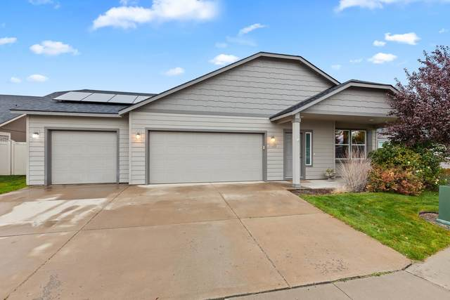 19003 E Buckeye Ave, Spokane Valley, WA 99206 (#202123845) :: Real Estate Done Right
