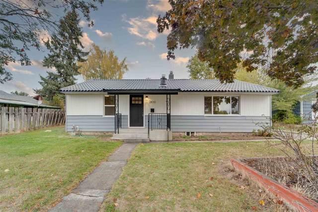 2830 W Bismark Ave, Spokane, WA 99205 (#202123939) :: The Spokane Home Guy Group