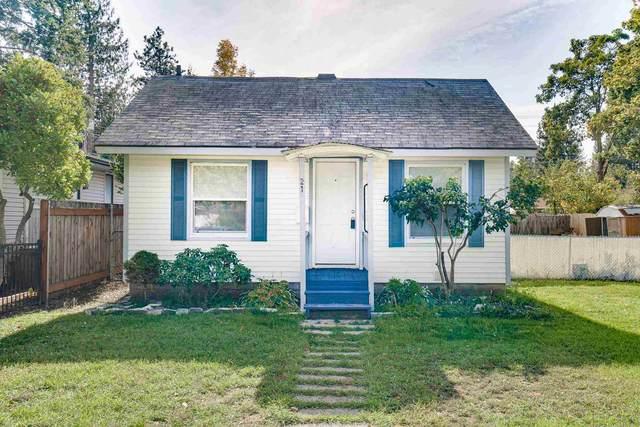 21 W 32nd Ave, Spokane, WA 99203 (#202124063) :: RMG Real Estate Network