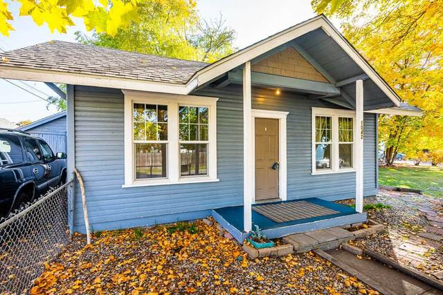 1042 W Kiernan Ave, Spokane, WA 99205 (#202124167) :: Heart and Homes Northwest