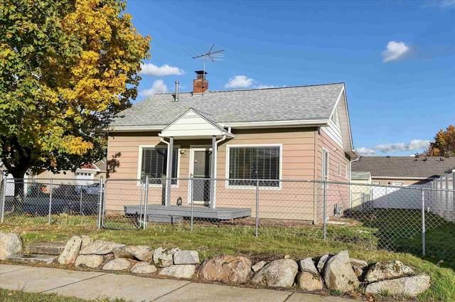 517 S Felts Rd, Spokane Valley, WA 99206 (#202124272) :: Trends Real Estate