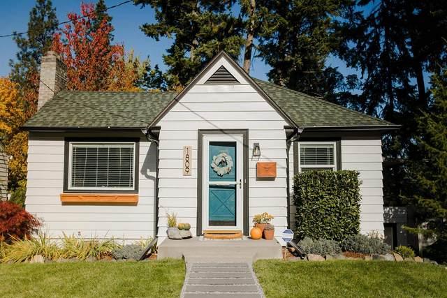 1809 E 18th Ave, Spokane, WA 99203 (#202124290) :: Trends Real Estate