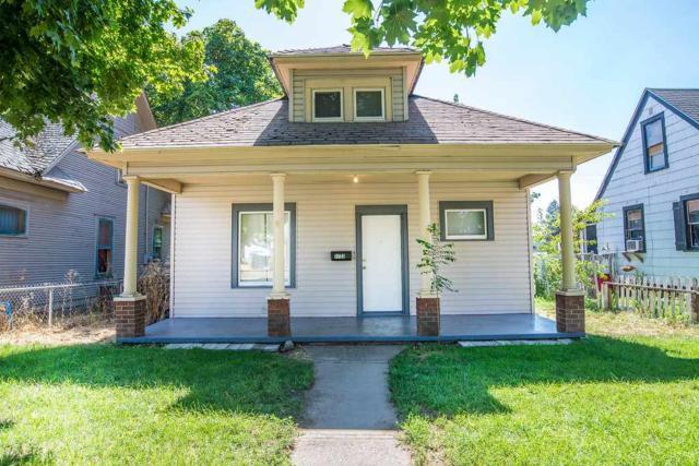 1723 W Boone Ave, Spokane, WA 99201 (#201722345) :: The Spokane Home Guy Group