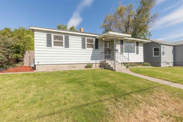 127 E Courtland, Spokane, WA 99207 (#201725010) :: The Hardie Group