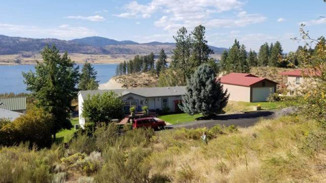 4308 Friday Bay Ln, Seven Bays, WA 99122 (#201913860) :: RMG Real Estate Network