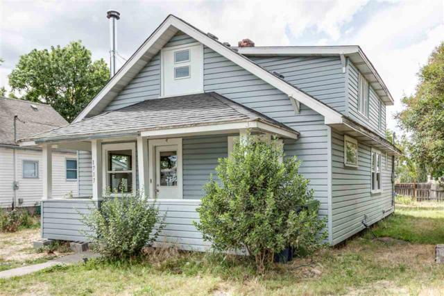 1717 E Tilsley Pl, Spokane, WA 99207 (#201919862) :: Top Spokane Real Estate