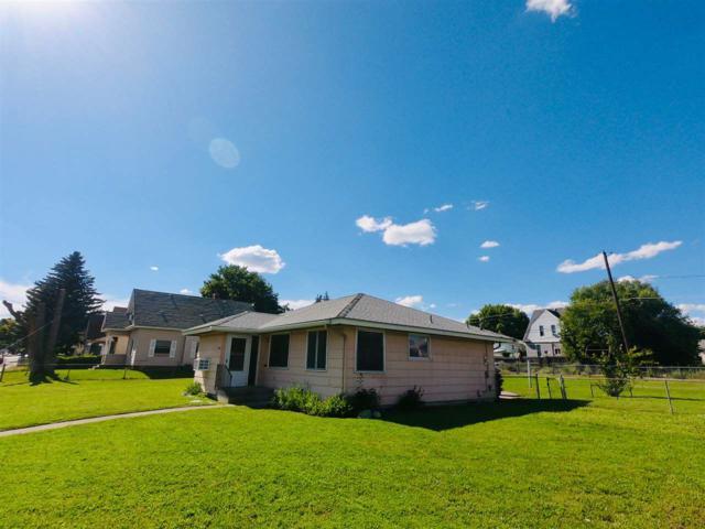 2025 E Bridgeport Ave, Spokane, WA 99207 (#201919928) :: The Spokane Home Guy Group