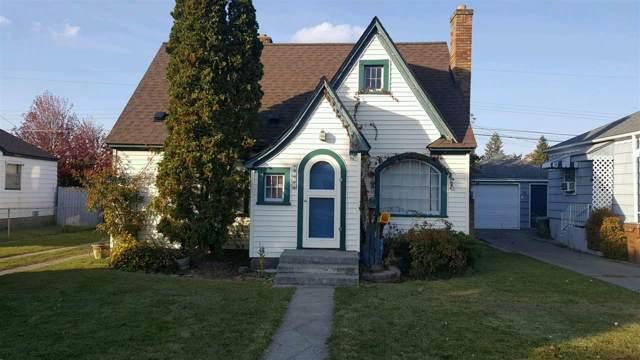 1023 E Hoffman Ave, Spokane, WA 99207 (#201924803) :: 4 Degrees - Masters