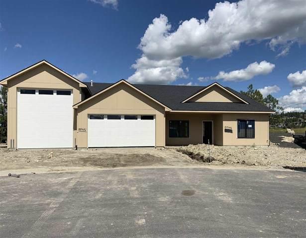 13745 N Mayfair Ln, Spokane, WA 99208 (#202015458) :: RMG Real Estate Network