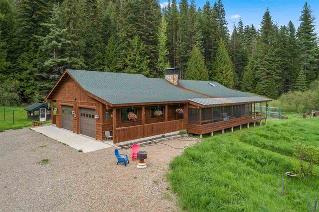 2603 Squaw Valley Rd, Priest River, ID 83856 (#202016104) :: The Hardie Group