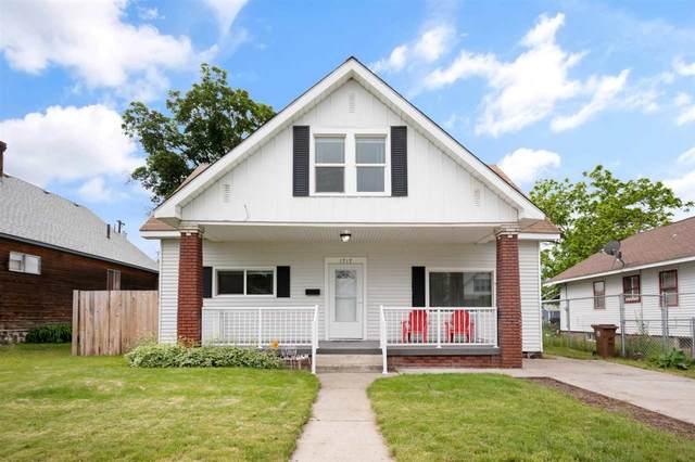 1717 W Mansfield Ave, Spokane, WA 99205 (#202016359) :: The Spokane Home Guy Group