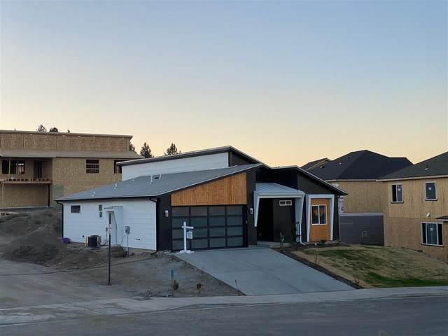18100 E Selkirk Estates Rd, Greenacres, WA 99016 (#202017485) :: The Spokane Home Guy Group