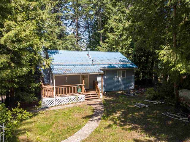 3972 Cedar Bay Rd, Loon Lake, WA 99148 (#202018481) :: The Spokane Home Guy Group