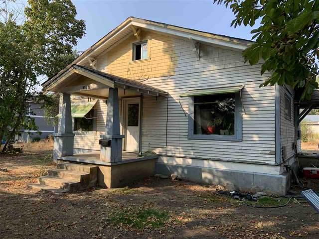 3027 E Upriver Dr, Spokane, WA 99207 (#202022523) :: Prime Real Estate Group