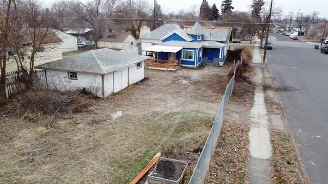 2229 N Cincinnati St, Spokane, WA 99207 (#202110698) :: The Spokane Home Guy Group