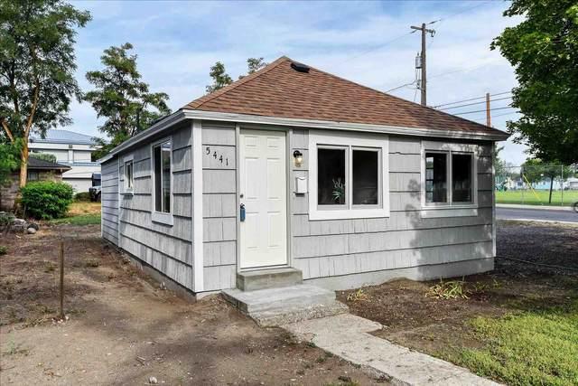 5441 N Addison St, Spokane, WA 99207 (#202118155) :: The Spokane Home Guy Group
