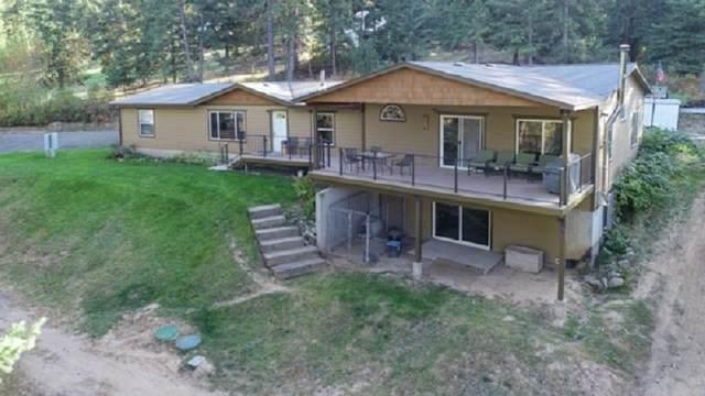 17708 Mountain Top Ln, Mead, WA 99021 (#202023133) :: The Spokane Home Guy Group