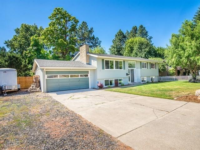 422 N 3rd St, Cheney, WA 99004 (#201721355) :: The Spokane Home Guy Group