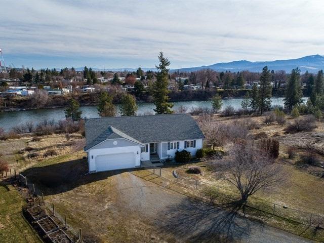 18027 E Riverway Ave, Spokane Valley, WA 99016 (#201813230) :: The Jason Walker Team
