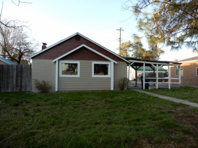916 W Columbia Ave, Spokane, WA 99205 (#201815439) :: The Hardie Group