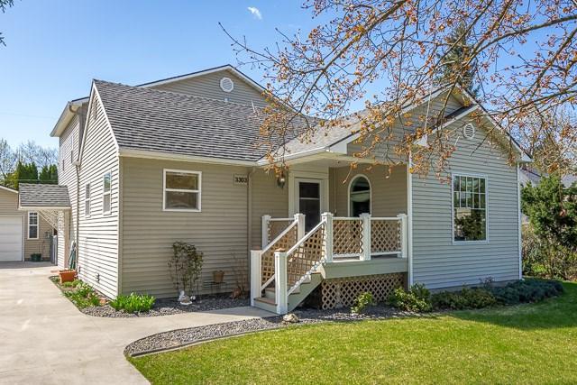 3303 N Lewis Rd, Spokane Valley, WA 99212 (#201815732) :: 4 Degrees - Masters