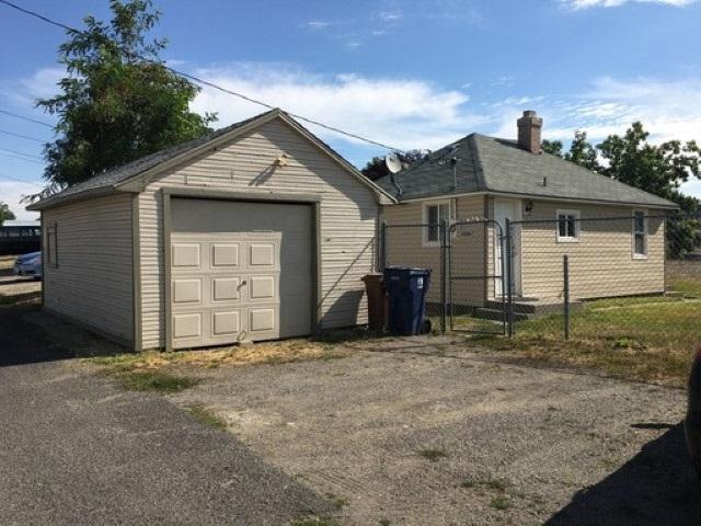 4707 N Wall St, Spokane, WA 99205 (#201819401) :: The Hardie Group