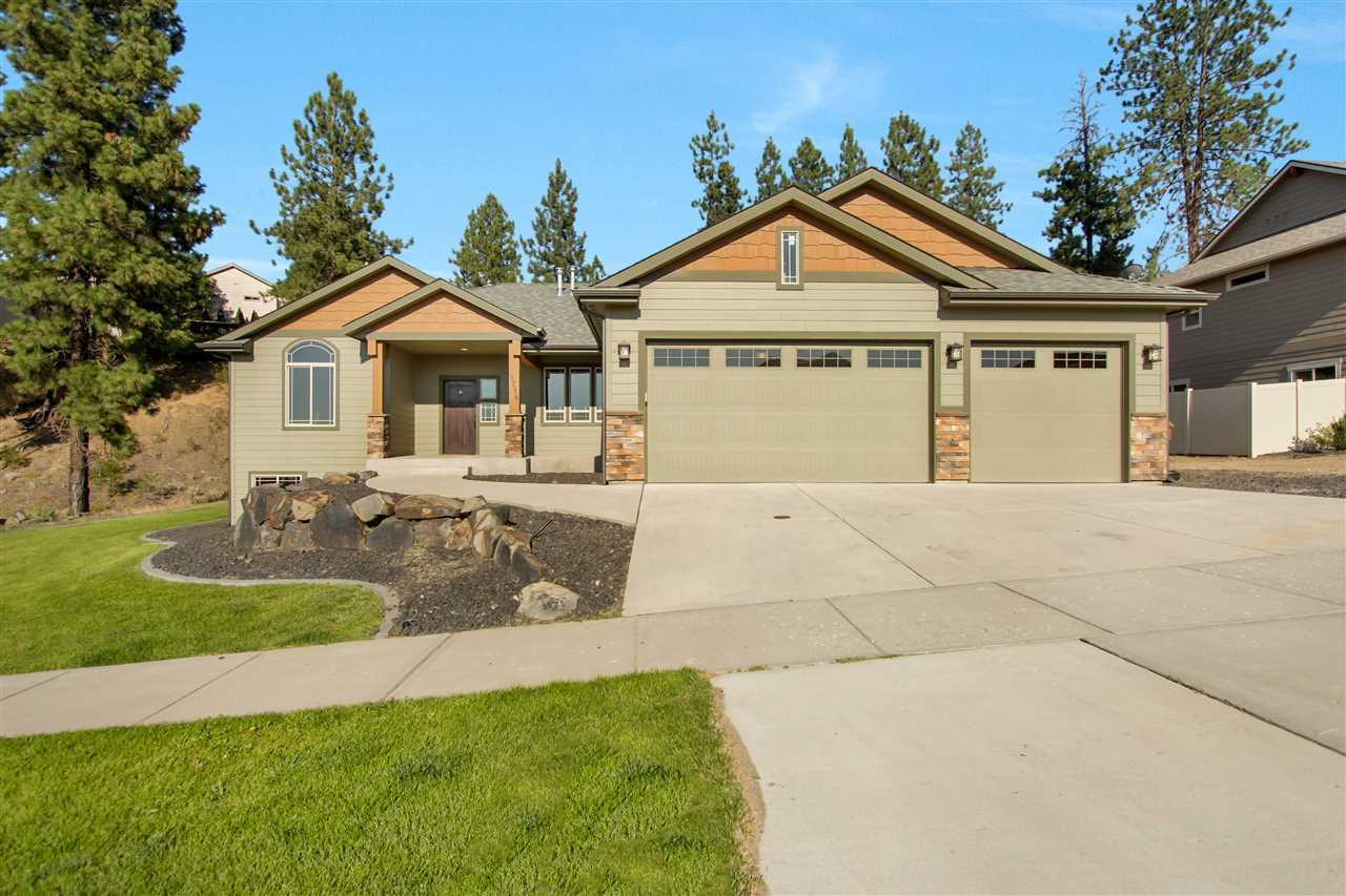 9216 N Phoebe Dr, Spokane, WA 99208 (#201821740) :: Five Star Real Estate Group