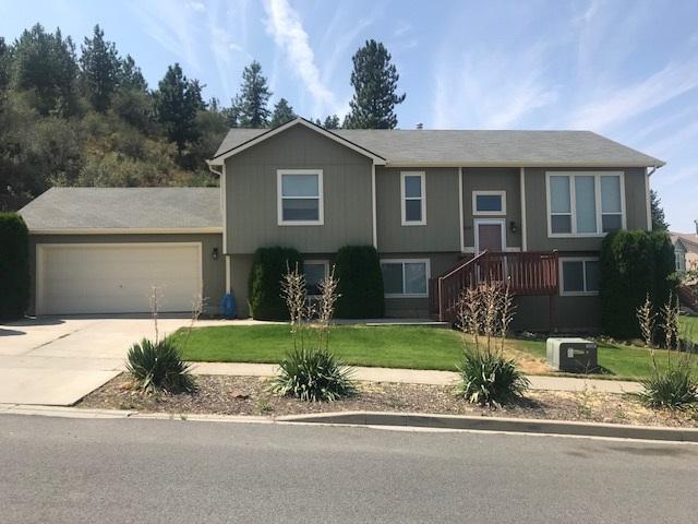 18102 E Crescent Dr, Greenacres, WA 99016 (#201821923) :: The Spokane Home Guy Group