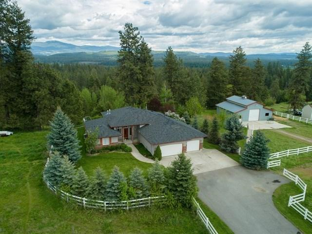 24816 N Perry Rd, Colbert, WA 99005 (#201822725) :: The 'Ohana Realty Group Corporate Offices