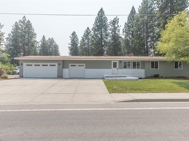 12518 E 16th Ave, Spokane Valley, WA 99216 (#201822734) :: The 'Ohana Realty Group Corporate Offices