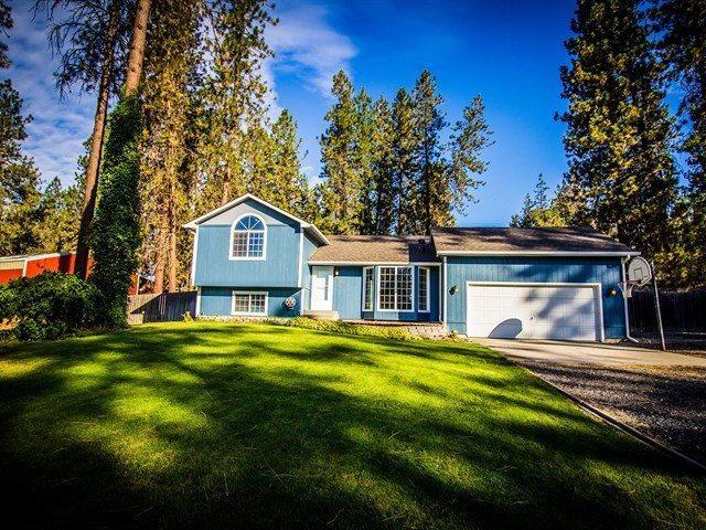 109 E Forest Ct, Nine Mile Falls, WA 99026 (#201824440) :: 4 Degrees - Masters