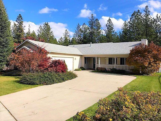 5958 Blackstone Way, Nine Mile Falls, WA 99026 (#201826474) :: 4 Degrees - Masters