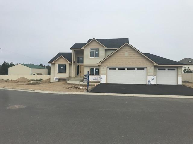 609 E Tudor Ln, Spokane, WA 99208 (#201827283) :: THRIVE Properties