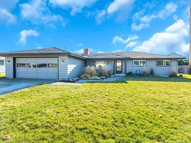 8304 E Lacrosse Ave, Spokane Valley, WA 99212 (#201827404) :: Top Agent Team