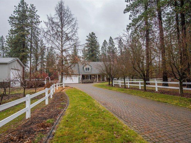4515 E La Dolce Rd, Colbert, WA 99005 (#201910595) :: The Synergy Group