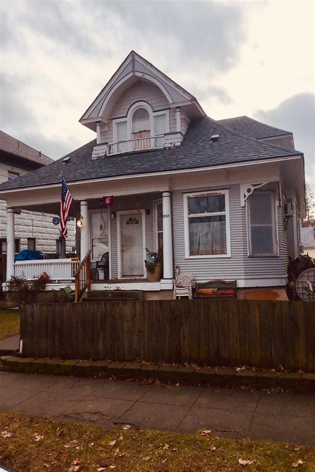1917 W Mallon Ave 1-4, Spokane, WA 99201 (#201910817) :: The Hardie Group