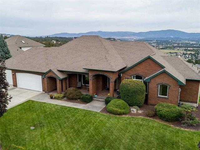 8622 E Woodland Park Dr, Spokane, WA 99217 (#201911337) :: The Synergy Group