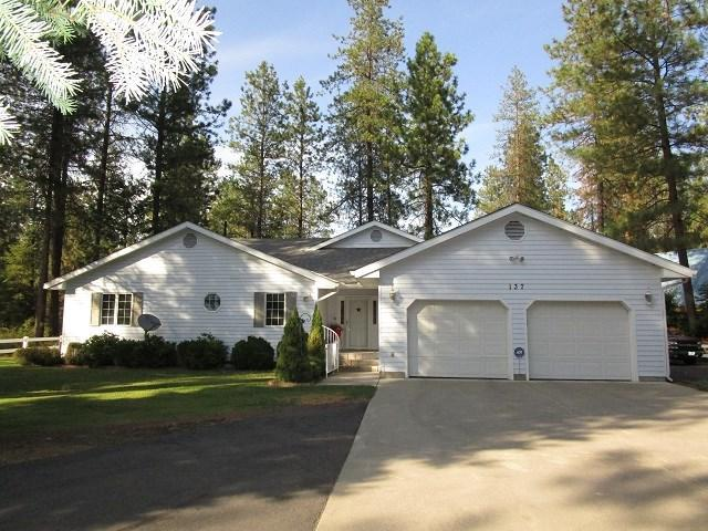137 E Trappers Loop, Chewelah, WA 99109 (#201912420) :: The Synergy Group