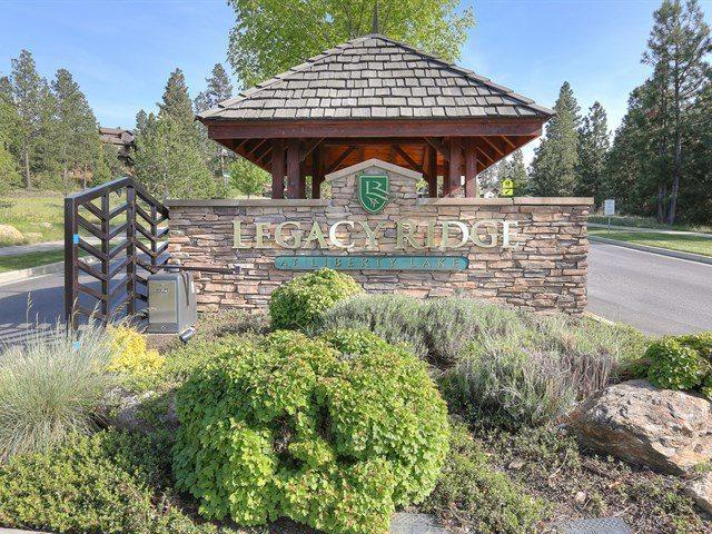 262 N Legacy Ridge Dr, Liberty Lake, WA 99019 (#201914250) :: The Hardie Group