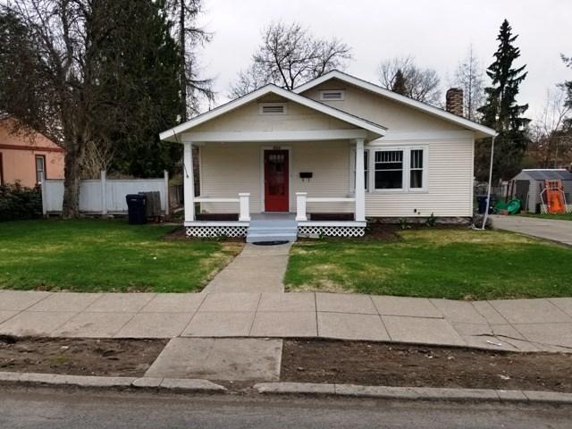 826 E 34th Ave, Spokane, WA 99203 (#201914579) :: Five Star Real Estate Group