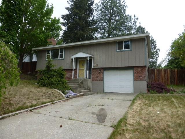 11626 N Madison St, Spokane, WA 99218 (#201916146) :: Northwest Professional Real Estate
