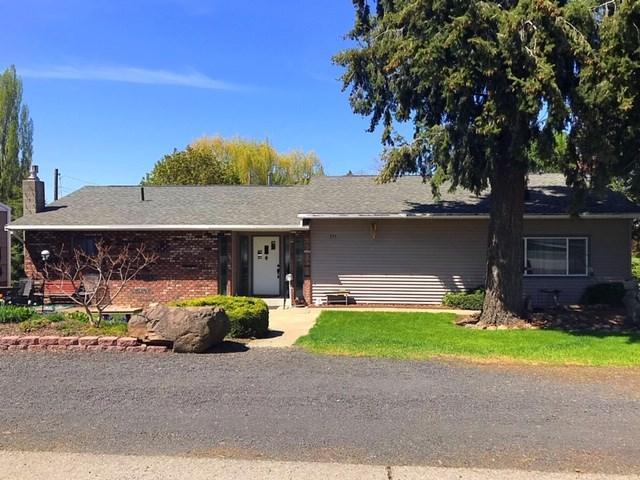 155 N Pine St, Spangle, WA 99031 (#201916899) :: The Spokane Home Guy Group
