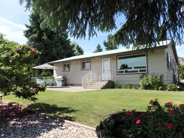1140 S Oak St, Kettle Falls, WA 99141 (#201917858) :: The Spokane Home Guy Group